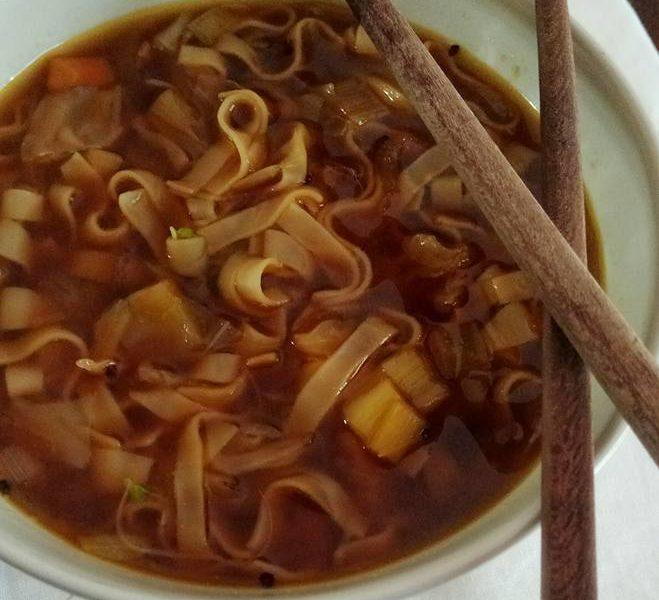 Sopa de miso con noddles