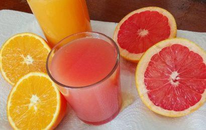 zumo naranja o pomelo