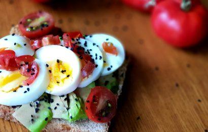 Tosta huevo y aguacate